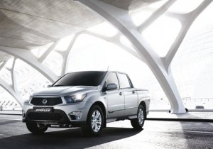 SsangYong Actyron Front & Side