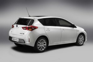 Toyota Auris Hybrid / Back & Side
